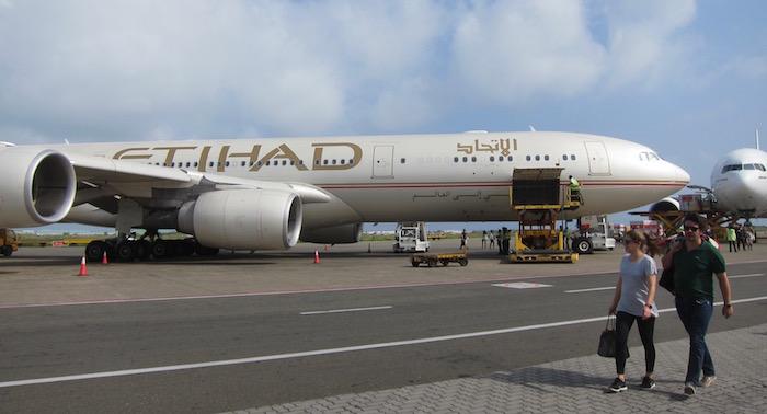 Etihad-Business-Class-A340 - 67
