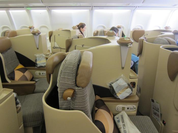 Etihad-Business-Class-A340 - 9