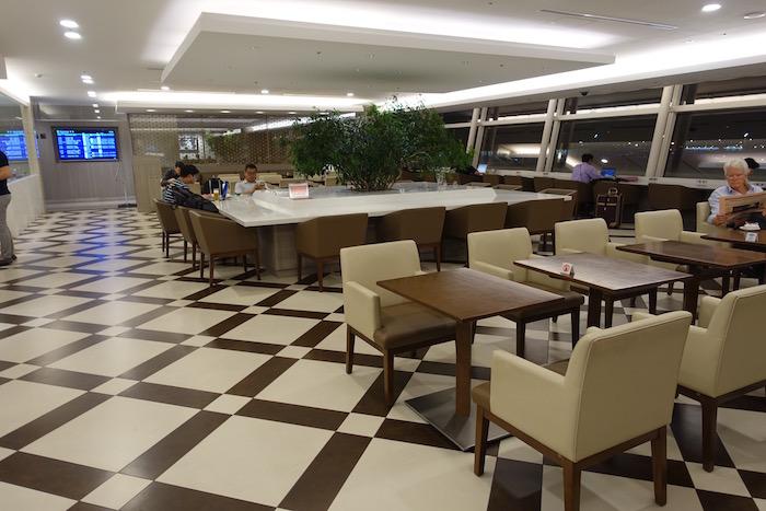 Japan-Airlines-Lounge-Tokyo-Haneda - 12