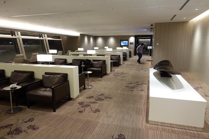 Japan-Airlines-Lounge-Tokyo-Haneda - 13