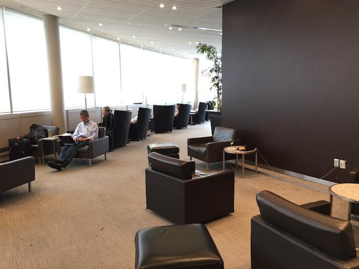 Maple-Leaf-Lounge-Toronto - 5
