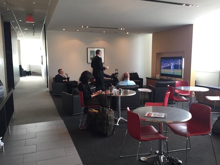 Maple-Leaf-Lounge-Toronto - 7