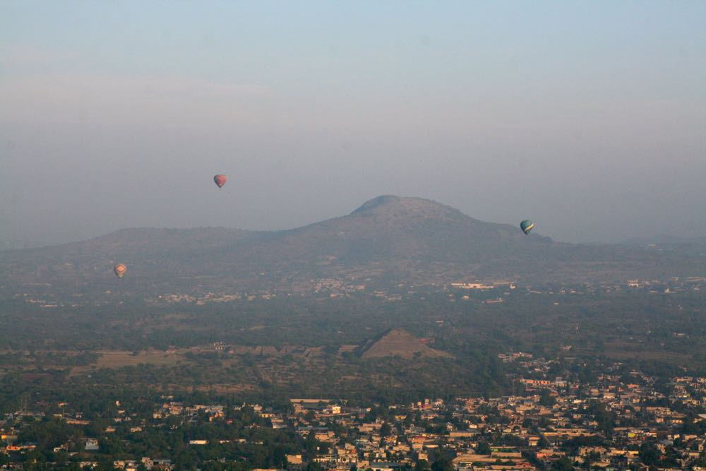 Mexico-City-Pyramids-Balloon-07