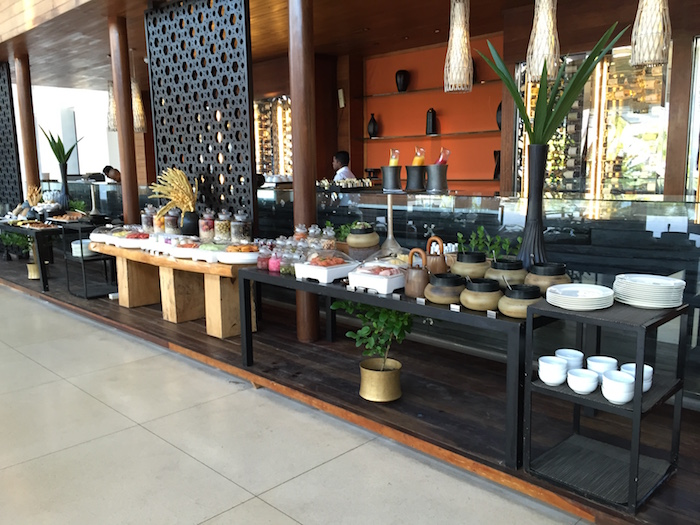 Park-Hyatt-Maldives-Breakfast