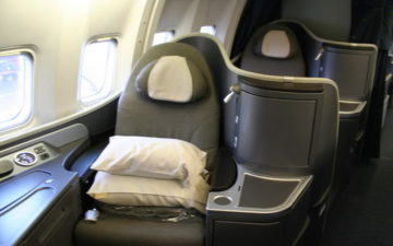 Official  United Phasing Out International First Class - One Mile at ... d97165e000764