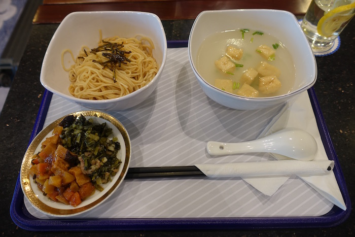 China-Eastern-Lounge-Shanghai - 30