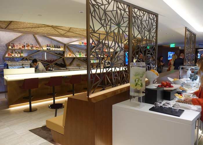 Etihad-Airways-Lounge-LAX - 12