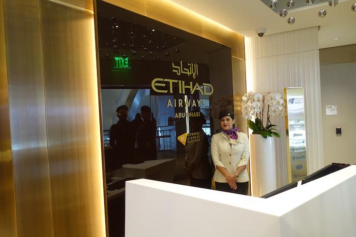 Etihad-Airways-Lounge-LAX - 9