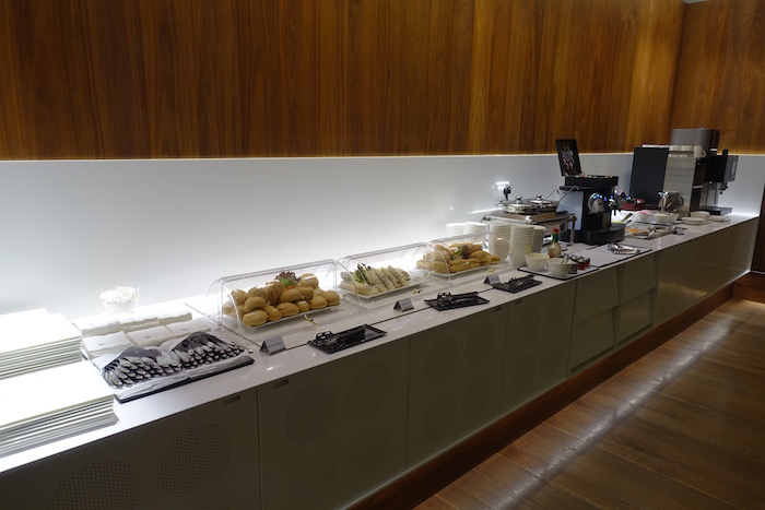 Oryx-Lounge-Doha-Airport - 20