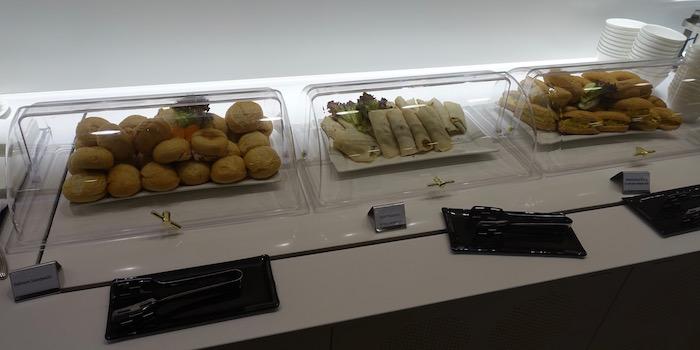 Oryx-Lounge-Doha-Airport - 21