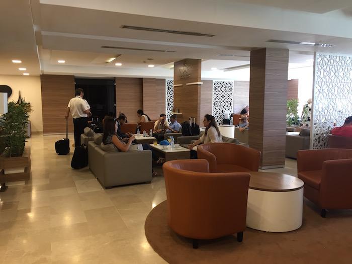 Royal-Air-Maroc-Lounge-Casablanca - 17