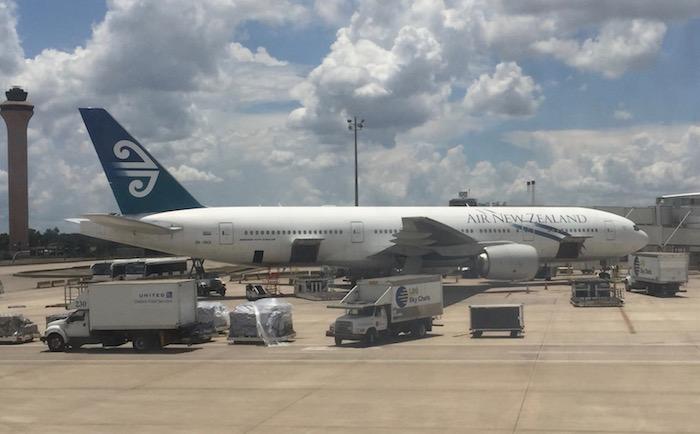Singapore-First-Class-777 - 104
