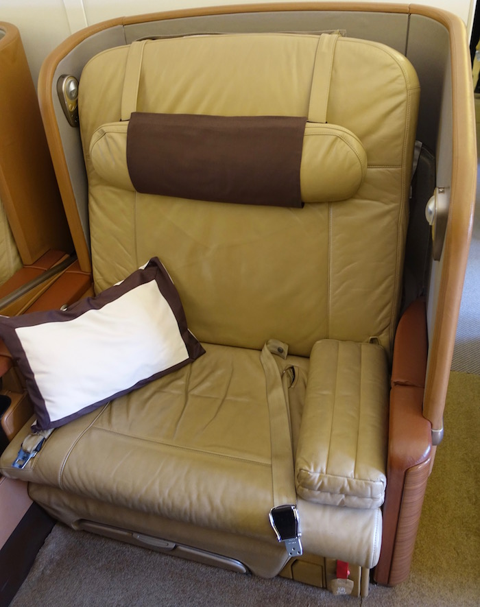 Singapore-First-Class-777 - 3