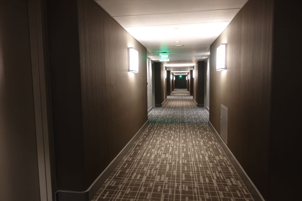 Concourse-hotel-LAX-renovated-02