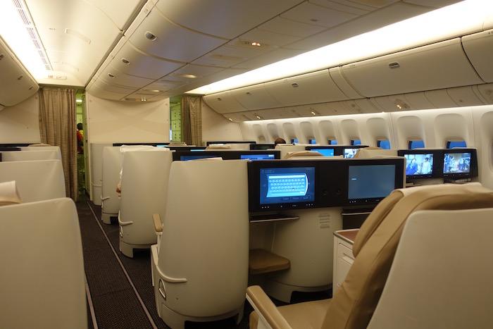 Saudia-Business-Class-777 - 37