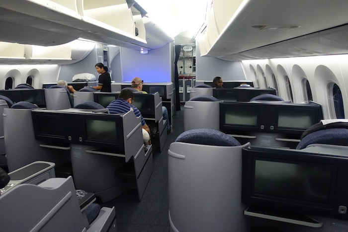 Review United 787 Business Class On A Domestic Flight