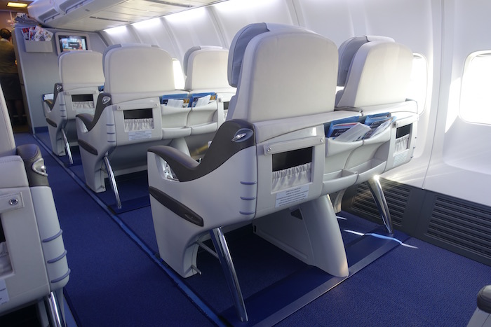 air-astana-757-business-class-8