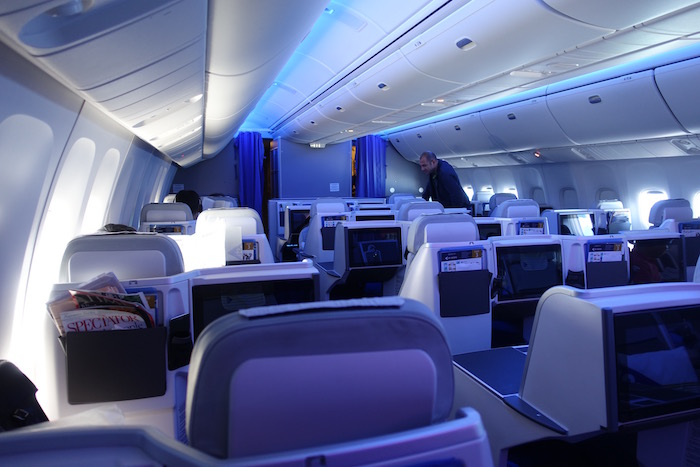 air-astana-business-class-767-66