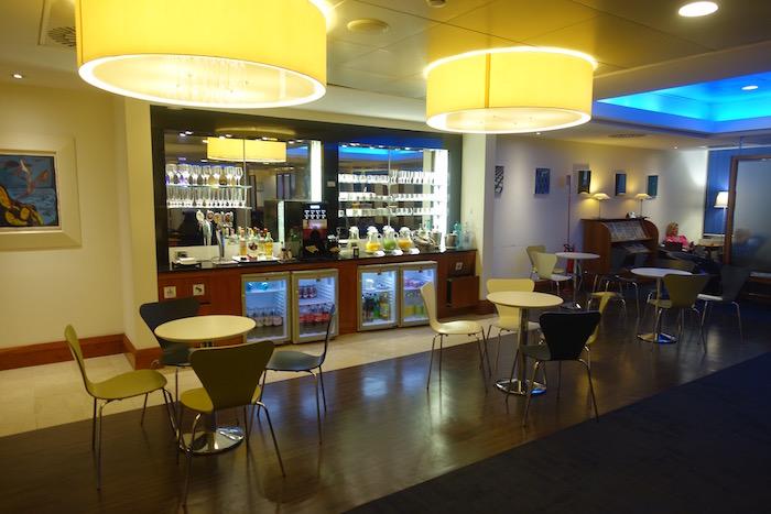 British-Airways-Lounge-Rome - 8