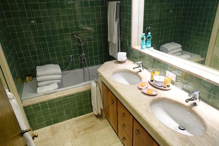 hotel-cala-di-volpe-porto-cervo-24
