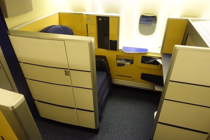ana-first-class-777-2