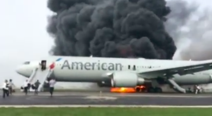 Video Of Today S Scary American Airlines 767 Evacuation