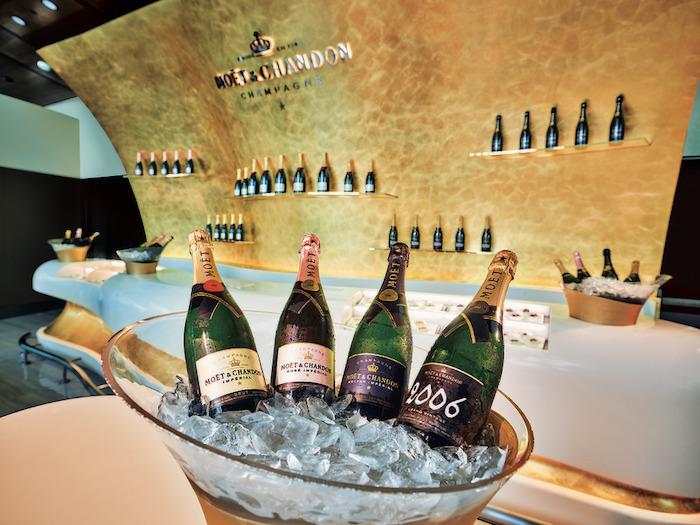 emirates-lounge-champagne