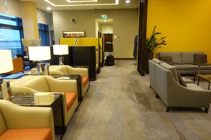 singapore-airlines-lounge-london-heathrow-10