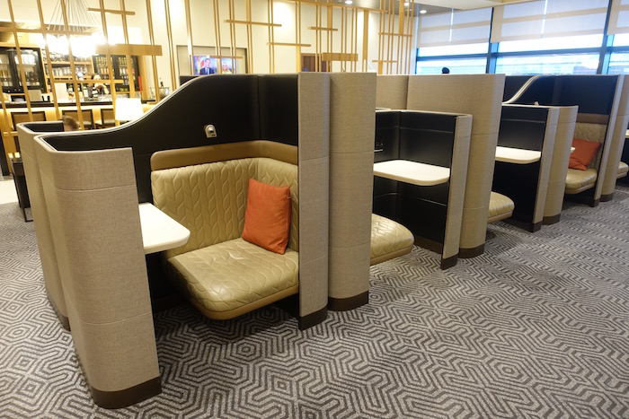 singapore-airlines-lounge-london-heathrow-33