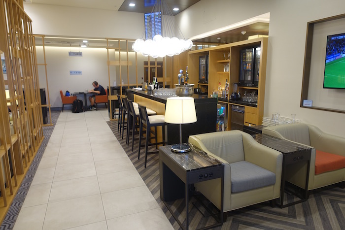 singapore-airlines-lounge-london-heathrow-34