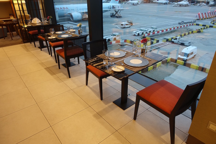 singapore-airlines-lounge-london-heathrow-8