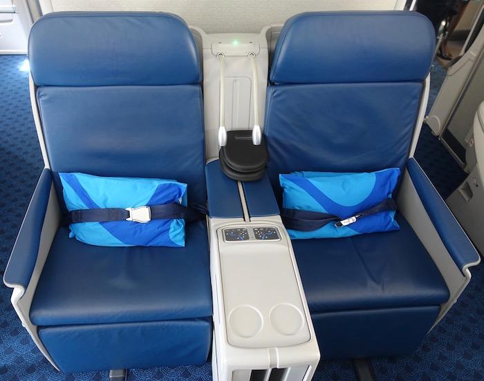 xiamen-business-class-787-7