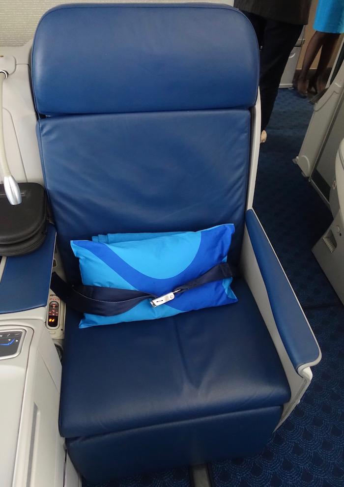 xiamen-business-class-787-9