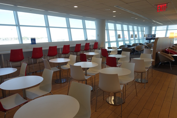 air-france-lounge-new-york-jfk-32