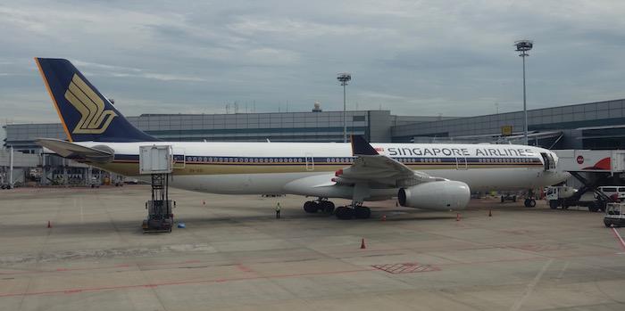 garuda-indonesia-777-first-class-54