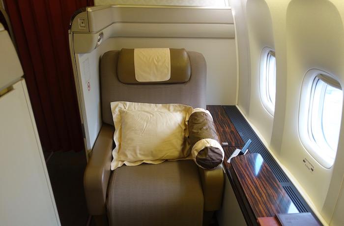 garuda-indonesia-777-first-class-6