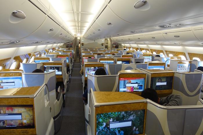 Review Emirates Business Class in der A380 von Dubai nach