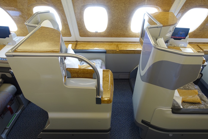 emirates-business-class-a380-3