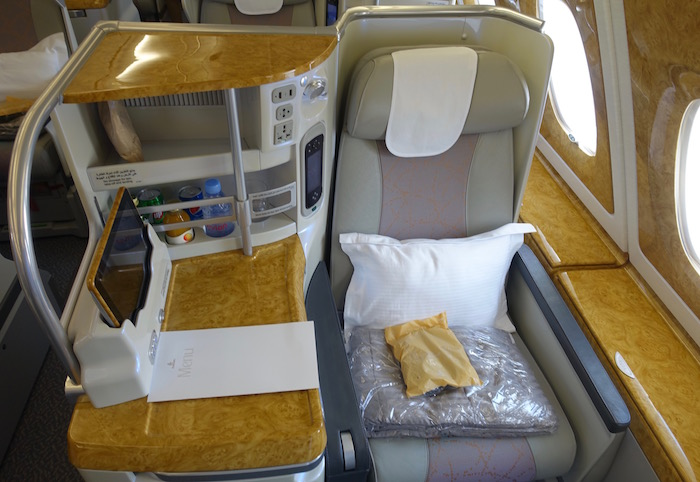 emirates-business-class-a380-4