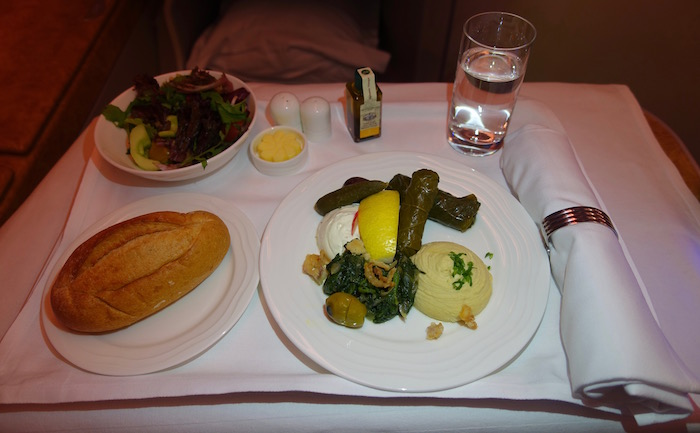 emirates-business-class-a380-57
