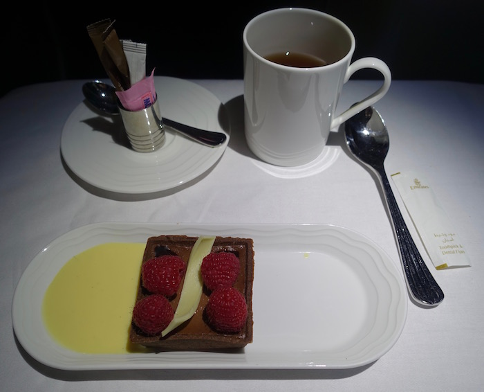 emirates-business-class-a380-76