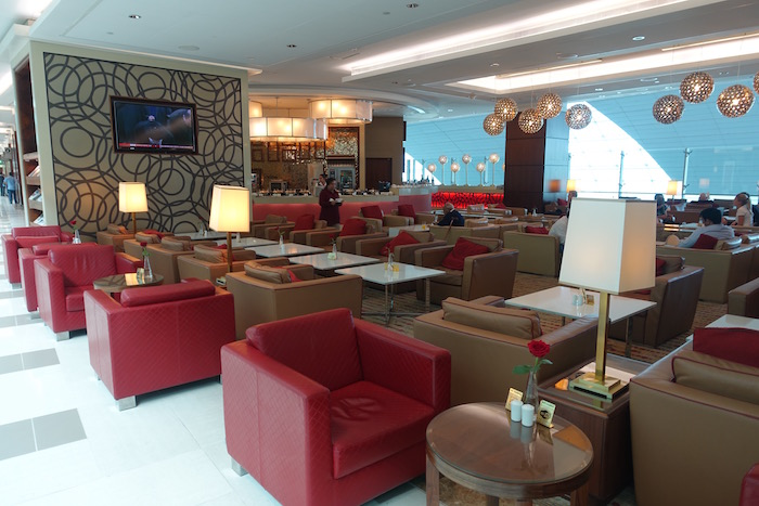 Review: Emirates Business Class Lounge Dubai - One Mile at ...