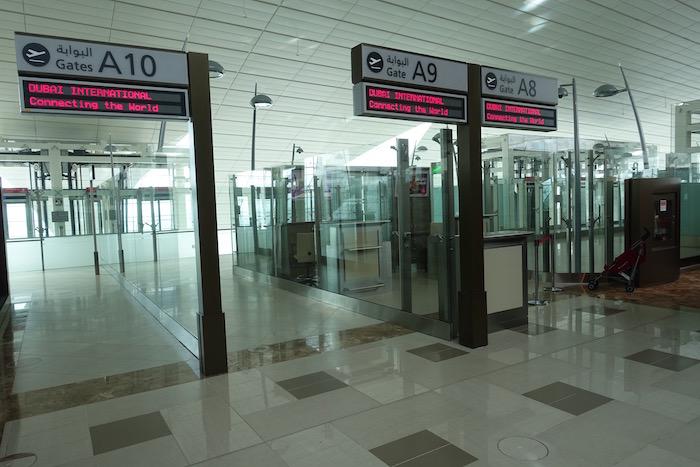 emirates-business-class-lounge-dubai-23