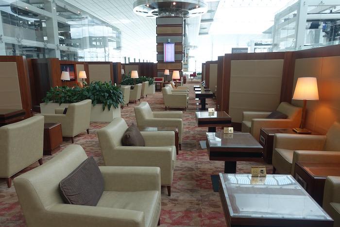 emirates-business-class-lounge-dubai-26