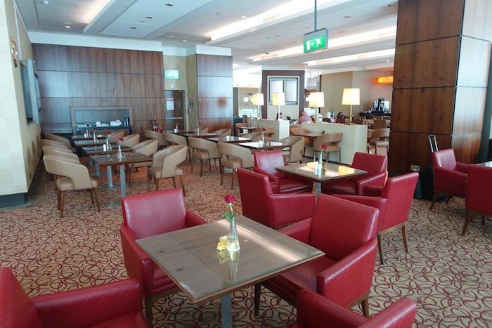 emirates-business-class-lounge-dubai-29