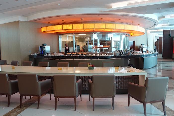 emirates-business-class-lounge-dubai-31