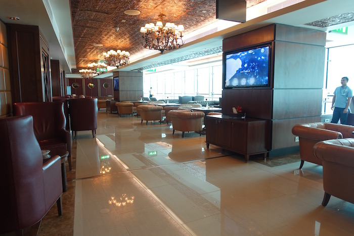 emirates-business-class-lounge-dubai-52