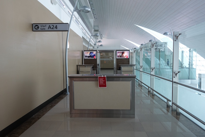 emirates-business-class-lounge-dubai-62