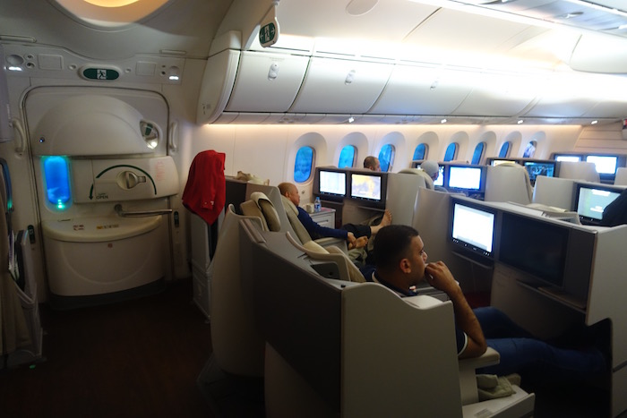 royal-jordanian-business-class-787-57