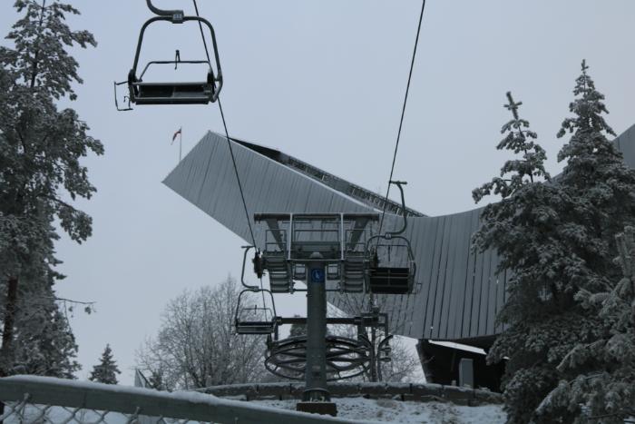holmenkollen ski jump lift